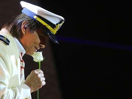 Roberto Carlos se apresentou no MSC Preziosa para celebrar a décima edição de seu cruzeiro, o Emoções em Alto Mar, no início da madrugada desta segunda-feira