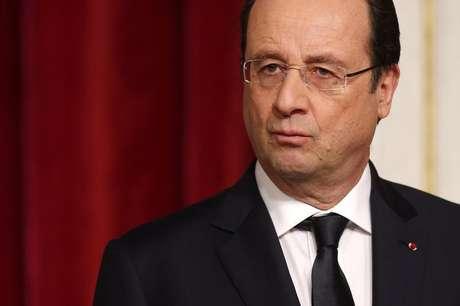 <p>Presidente francês, François Hollande, disse que cúpula UE-Rússia não poderá acontecer pelas condições na Ucrânia</p>