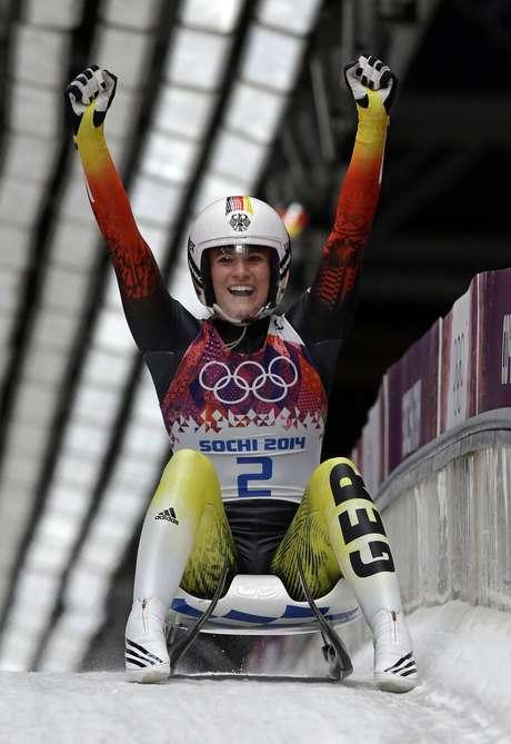 Geisenberger vibra com triunfo na Olimpíada de Inverno