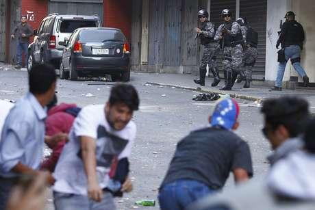 Manifestantes entraram em confronto com a polícia, em Caracas