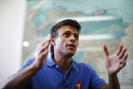Leopoldo López pelos teve prisão decretada depois das manifestações  da últiam quarta-feira, em Caracas