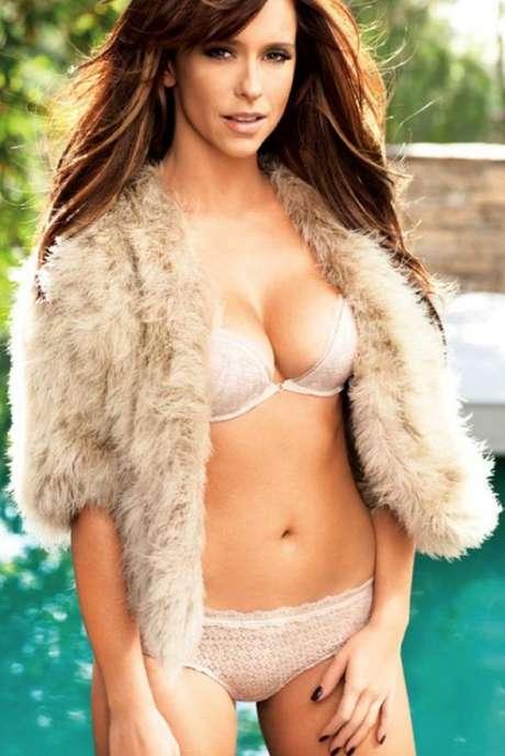 Bikini Girls: Fotos sensuales Jennifer Love Hewitt FHM 09