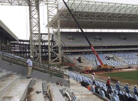 <p>Arena Pantanal sofreu inc&ecirc;ndio em outubro de 2013</p>