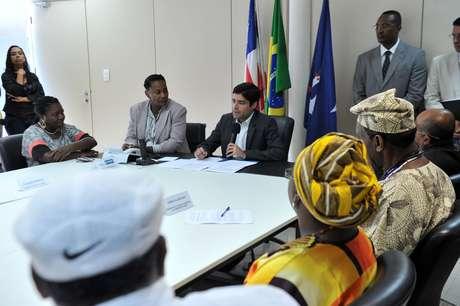 De acordo com decreto, 30% dos novos funcionários da prefeitura de Salvador concursados, ocupando cargos de confiança ou terceirizados deverão ser autodeclarados pretos ou pardos