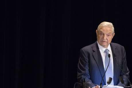 <p>Soros ofereceutoda a ajuda possível para que o processo iniciado no Uruguai possa avançar com maior facilidade</p>