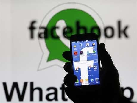 <p>A Comissão Europeia disse que o acordo entre o Facebook e o WhatsApp não prejudica a competição com as operadoras de telefonia</p>