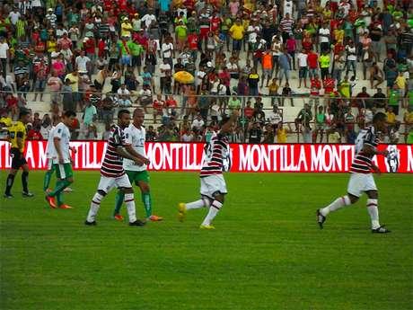 Prata da casa, Nininho tenta voltar à titularidade no time tricolor