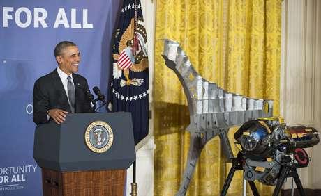 Obama sorri durante evento na Casa Branca