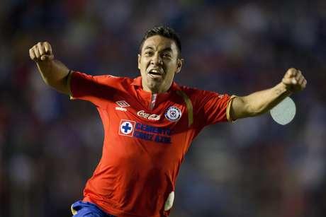 Marco Fabián quien ahora tiene un buen torneo con el Cruz Azul.