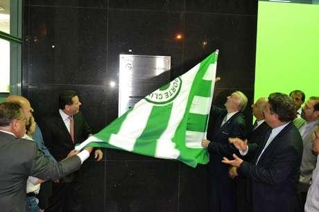 José Maria Marin esteve presente na inauguração do Estádio da Serrinha, que serviu de CT para a Seleção antes da Copa das Confederações