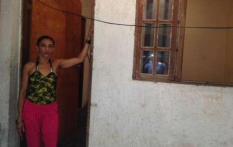 Bete, esposa de Amarildo, ainda busca pistas sobre o caso do marido