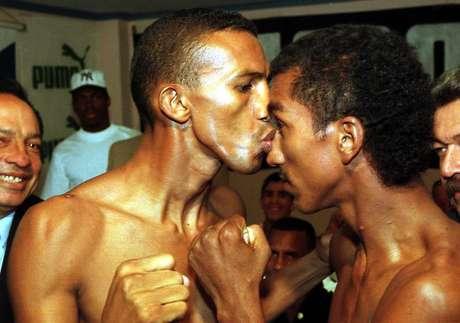 <p>Cermeño (à esquerda) tinha um cartel de 52 lutas, com 45 vitórias</p>