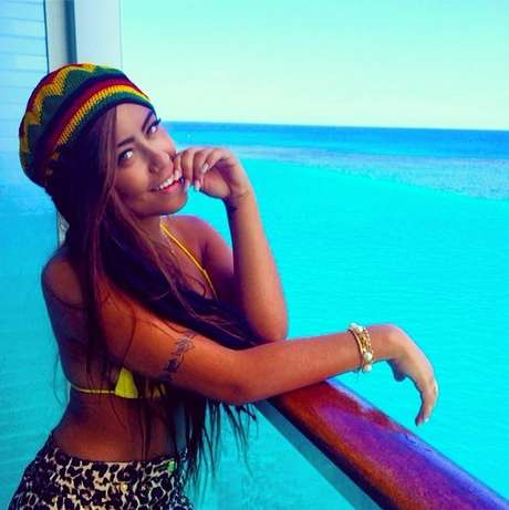 <p>Rafaella Santos curte praia na Jamaica</p>