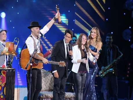 <p>Jesse & Joy recibieron todos los reconocimientos que otorga el público en Viña del Mar, a media hora de iniciar su show.</p>