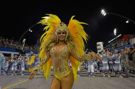 <p>Milena usou uma fantasia comportada no desfile da &Aacute;guia de Ouro,&nbsp;em S&atilde;o Paulo</p>