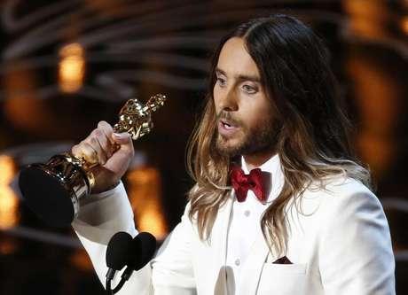 <p>Jared Leto ganha o Oscar de melhor ator coadjuvante por seu papel em 'Clube de Compras Dallas', em Los Angeles</p>