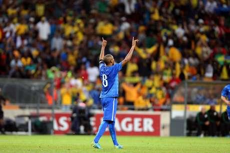 <p>Fernandinho ganhou fôlego na briga por uma das 23 vagas na Copa</p>