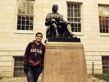 Renan Ferreirinha Carneiro realizou o sonho de estudar em Harvard; hoje é aluno de Economia e Ciências Políticas