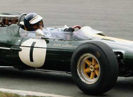 Caterham homenageia o British Racing Green, tom consagrado pela Lotus na década de 60
