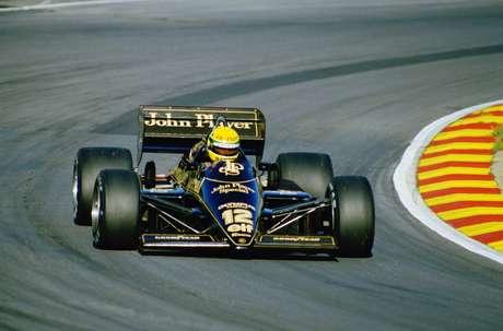 Lotus atual faz referência à antiga equipe de mesmo nome, que corria com cores de patrocinador