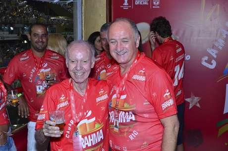Zagallo e Felipão marcaram presença no camarote Brahma, neste sábado (8), no desfile das campeãs, no Rio de Janeiro