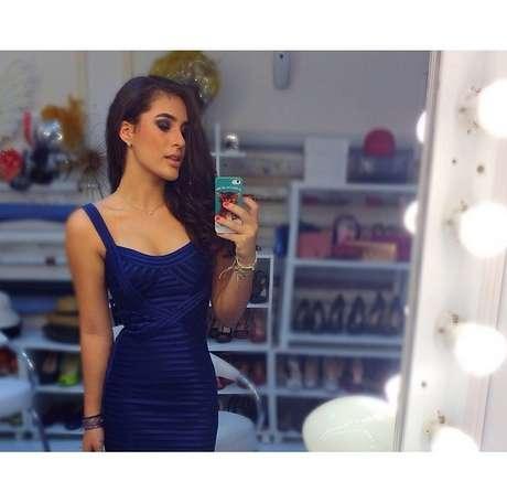 <p>Lívian Aragão exibe cinturinha em foto postada no Instagram</p>