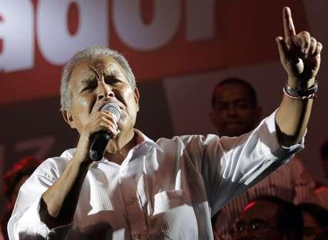 """<p>""""Parabéns à presidente Dilma Rousseff e ao povo brasileiro pela vitória eleitoral neste dia"""", escreveu Salvador Sanchez Cerén, presidente deEl Salvador</p>"""