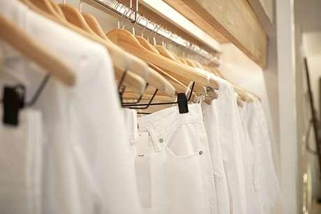 Sofisticado, o look passará a ser chamado de branco integral, sendo incorporado, sobretudo, em lãs, malhas, casacos e calças
