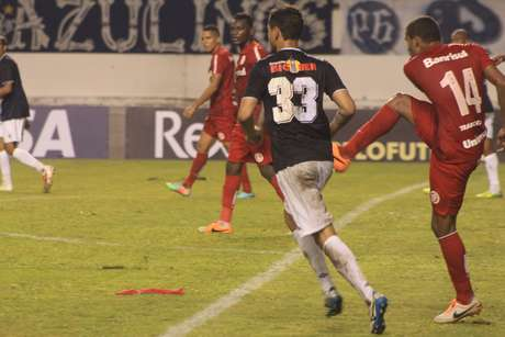 Contratado junto ao Paysandu, Eduardo Ramos atuou 90 minutos contra o Inter, mas foi vaiado