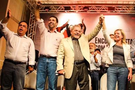 Lula lança candidatura da ex-ministra da Casa Civil senadora Gleisi Hoffmann como pré-candidata ao governo do Paraná