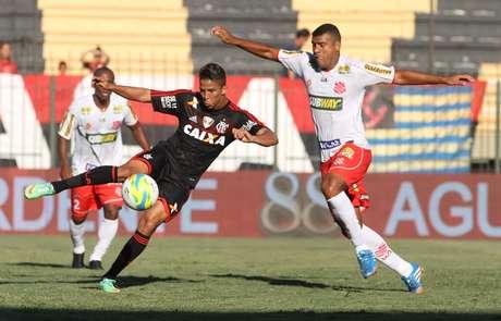 Focado na Libertadores, Flamengo empatou no Carioca
