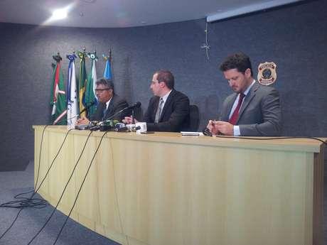 <p>Segundo o delegado Márcio Anselmo, que coordenou a operação, quatro grandes doleiros foram presos hoje, incluindo Alberto Youssef</p>