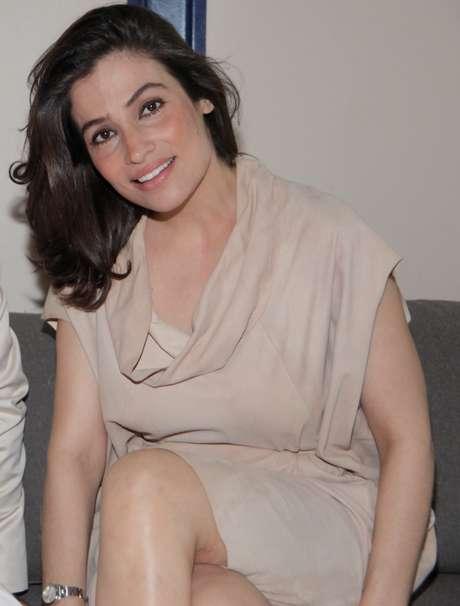 """Apresentadora do """"Fantástico"""", da TV Globo, a jornalista Renata Vasconcellos adora misturar o item destinado às assaduras com um creme hidratante para combater as olheiras"""