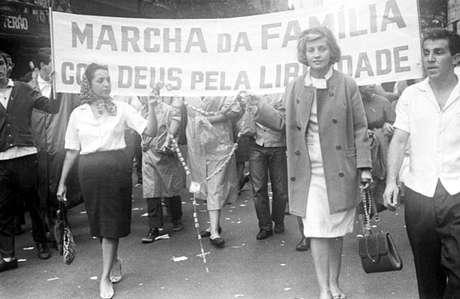 Marcha da Família reuniu cerca de 500 mil pessoas na praça da Sé, em São Paulo