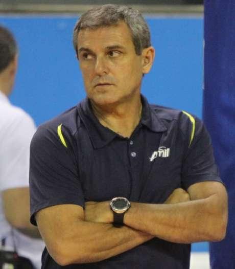 Zé Roberto deixou a polêmica de lado e está focado na Superliga