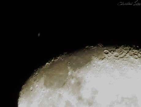 <p>Saturno foi visto logo após ser ocultado pela Lua em Fortaleza; imagem registrada no bairro Farias Brito</p>