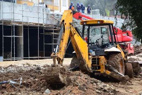 Canteiros de obras em frente à Arena ainda preocupam