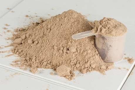 <p>No último dia 19, a Anvisa proibiu a distribuição e a comercialização de dois lotes da marca 100% Whey Protein Top Fue</p>