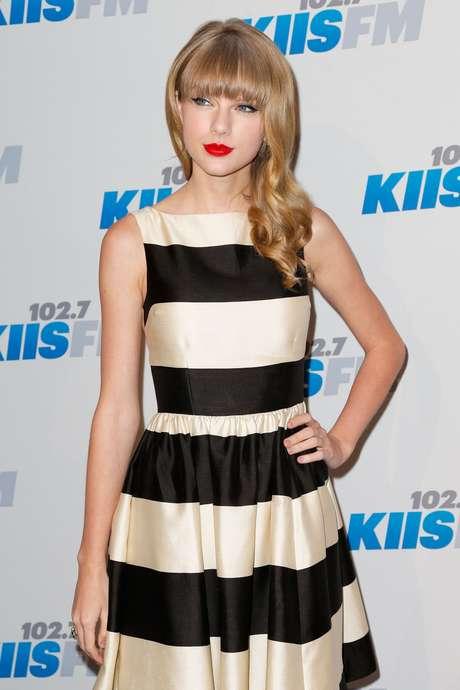 <p>Taylor Swift usou tamb&eacute;m em 2012 o vestido em preto e branco</p>