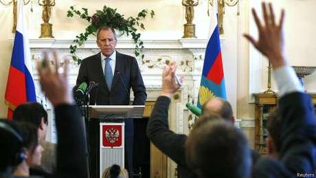 Lavrov: Rússia não tem intenção - nem interesse - de cruzar as fronteiras da Ucrânia.