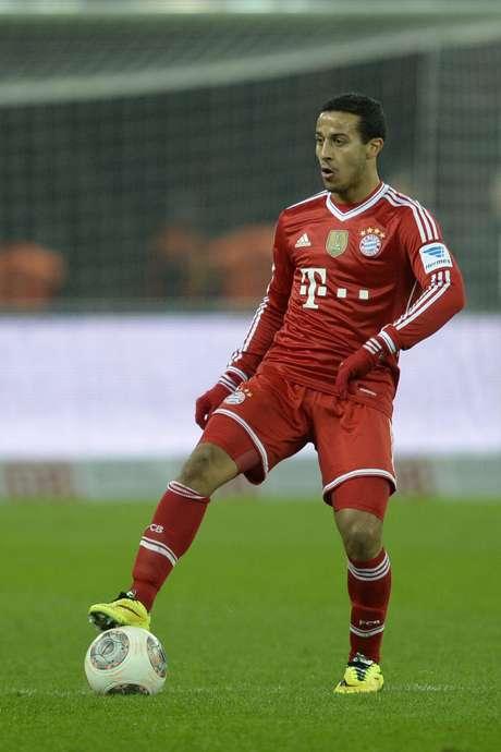 Thiago Alcantara se machucou durante jogo do Bayern