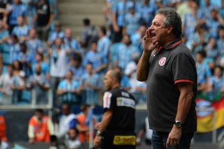 <p>Abel Braga se revoltou com racismo no Gre-Nal</p>