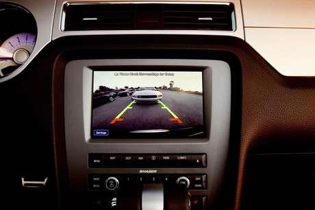 Todos os carros americanos terão câmera traseira até 2018