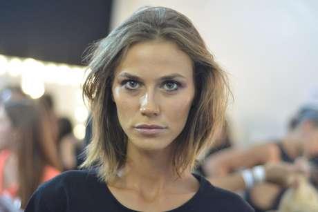 <p>Renata Kuerten no backstage de Lilly Sarti</p>