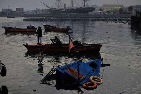 <p>Los habitantes de las zonas costeras del país, debieron evacuar a zonas de seguridad, por el tsunami posterior al terremoto de 8.3 Richter.</p>