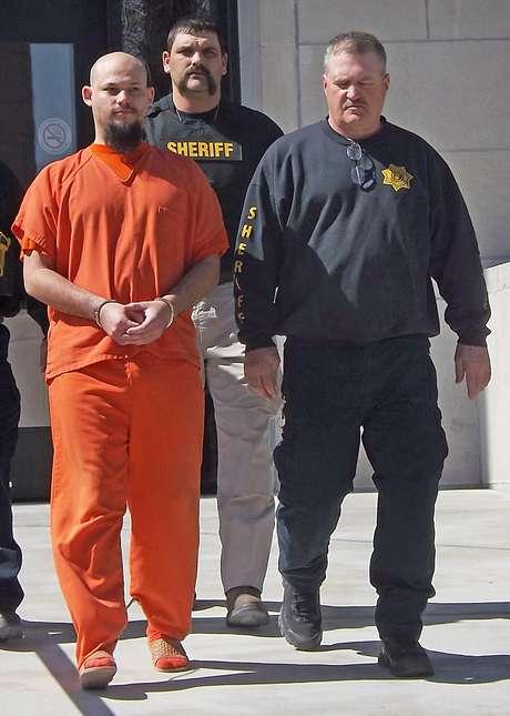 <p>James Paul Harris, acusado de matar o amigo com cordas de guitarra em 2011, será julgado em junho</p>