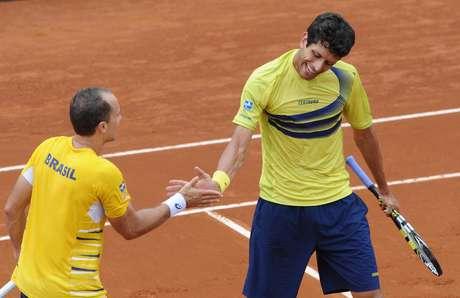 <p>Bruno Soares e Marcelo Melo levam vantagem contra espanhóis nas duplas; nos jogos desimples, Brasil será azarão no confronto</p>