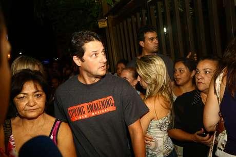 <p>Marcelo Serrado foi daradeus ao ator José Wilker</p>