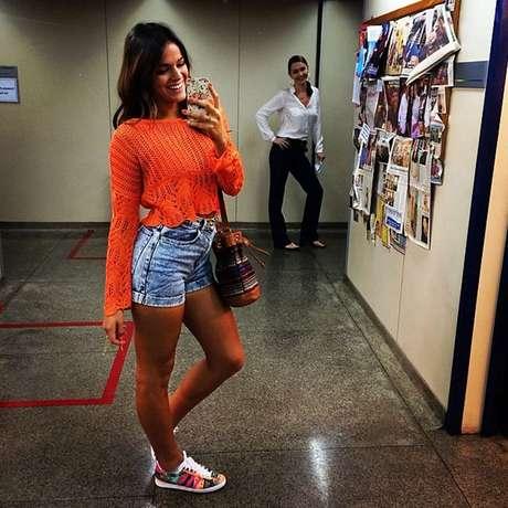 ff65da3ce64  p Bruna Marquezine postou uma selfie durante as gravações da novela Em  Família com