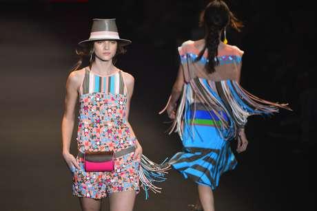 <p>Grife Espaço Fashion trouxe de volta a controversa pochete</p>